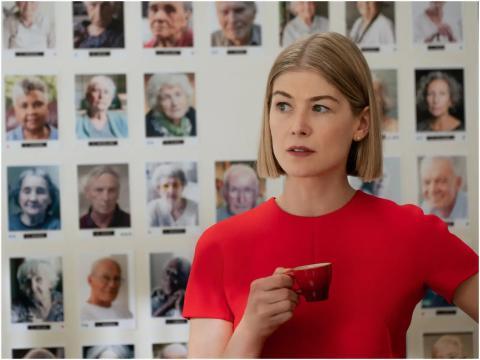 Rosamund Pioke en 'I Care a Lot'