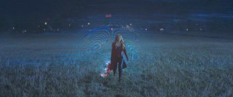 Elizabeth Olsen durante el episodio 5 de 'Wandavision'.