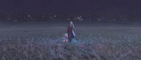 Elizabeth Olsen durante el episodio 5 de 'Wandavision'