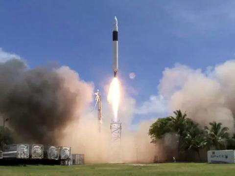 El Falcon 1. SpaceX