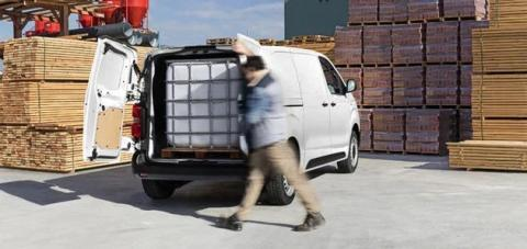 Citroën ë-Jumpy momento de carga