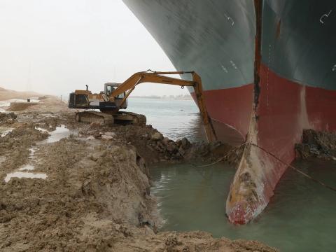 The Ever Given, atrapado en el Canal de Suez, Egipto, a jueves 25 de marzo de 2021.