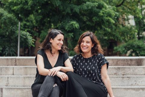 Inés Vázquez (i) y Rosario Ortiz (d), cofundadoras de Adalab
