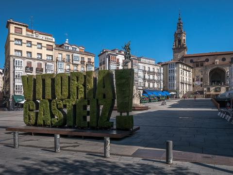 La Plaza Virgen Blanca.