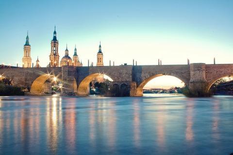 Puente de piedra de Zaragoza.