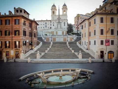 rome empty spanish steps lockdown italy