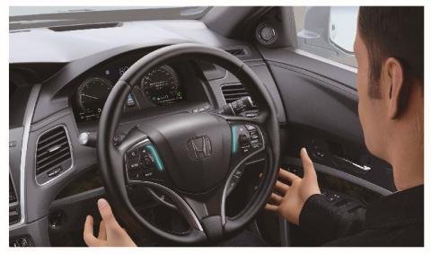 El sistema incorpora unas luces LED en el volante que alertan de cuando el vehículo está en modo autónomo