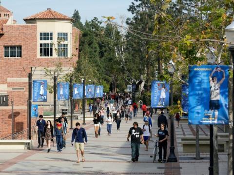 Universidad de California.