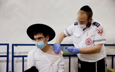 El 58,82 % de la población israelí está ya vacunada (Reuters)