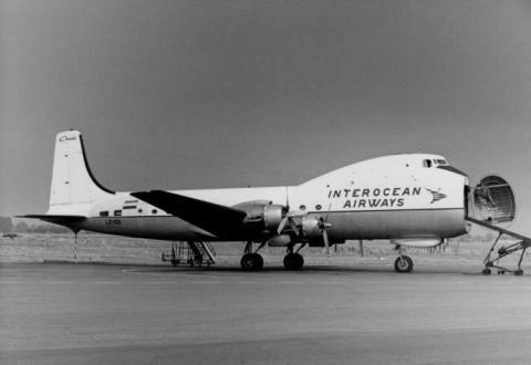 Avion cargando por el morro