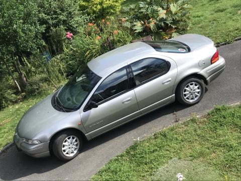 Chrysler Stratus de 1996.