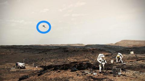 Ilustración de astronautas de la NASA trabajando en la superficie de Marte, con un helicóptero del mismo tipo que Ingenuity volando hacia la izquierda.