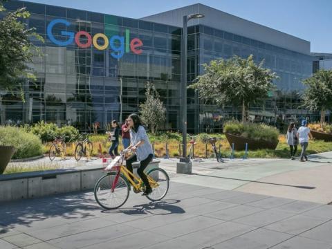 El IT de Google es una de las certificaciones profesionales más populares en Coursera, pero aún está por verse si el programa supone un cambio de esquema.