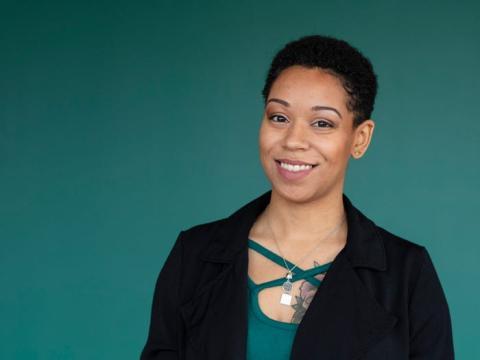Monique Harley completó el programa de certificación de tecnología de Google en 3 meses y ahora trabaja en el Banco Mundial.