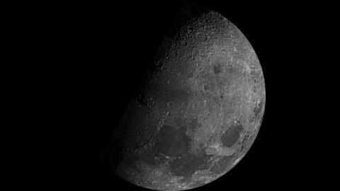 La Luna, vista por el Mariner 10 de la NASA en 1973.