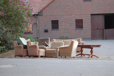 Muebles usados en la calle