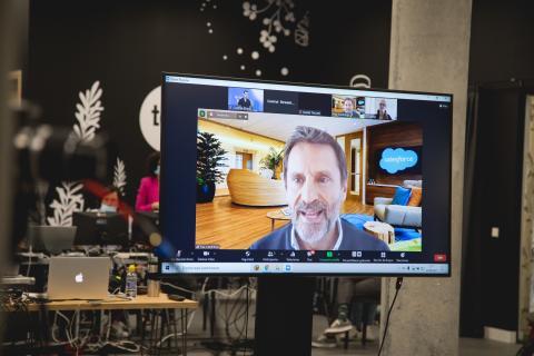 Pau Contreras, de Salesforce, estuvo presente en el evento de manera telemática.