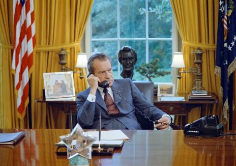 Richard Nixon en el despacho oval de la Casa Blanca.