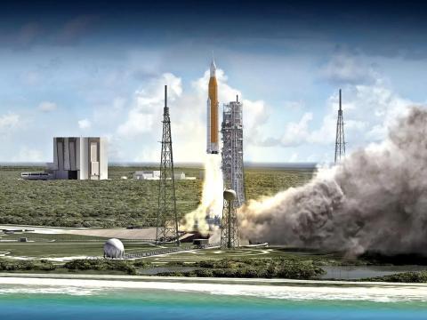 Representación artística del cohete Space Launch System despegando del Centro Espacial Kennedy de la NASA en Florida.