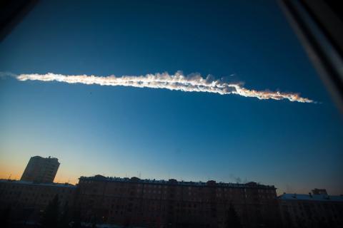 El meteorito de Cheliábinsk surcando el cielo ruso.