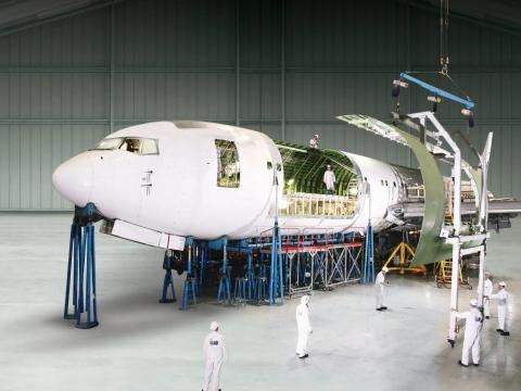 Conversión de un Boeing 767-300ER en un avión de carga.