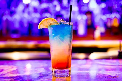 Coctel bar nocturno
