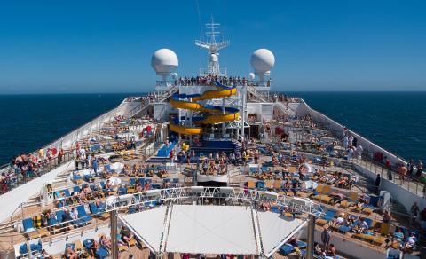 Los cruceros tienen luz verde para atracar en los puertos españoles.