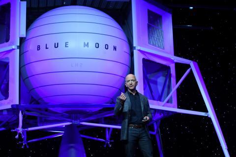 Blue Origin presentó un módulo de aterrizaje lunar, pero perdió un contrato para llevar a los astronautas de la NASA a la luna a favor de SpaceX.