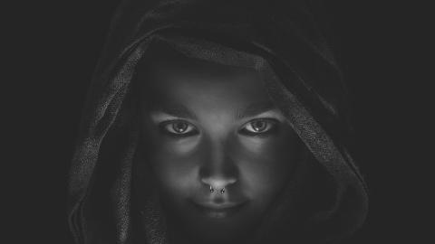 Laura chica misteriosa gotica