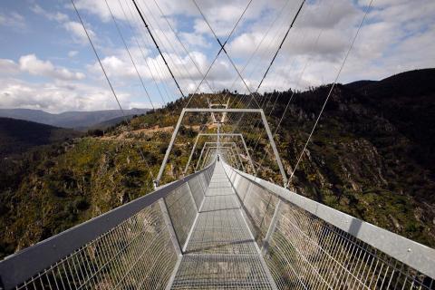 Así es el puente colgante peatonal más largo del mundo, en Portugal y abierto al público