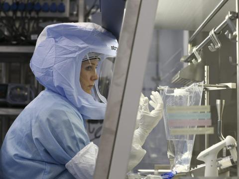 Trabajadores de la planta de Pfizer