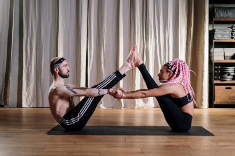 Ventajas de hacer yoga de noche