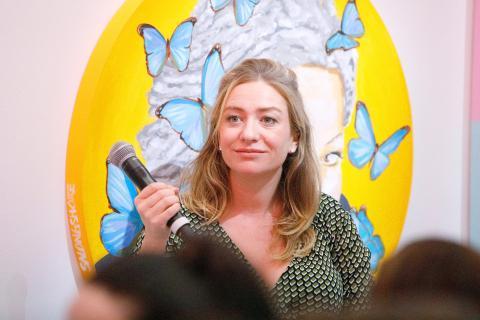 Whitney Wolfe Herd hablando en un evento en Nueva York en 2019.