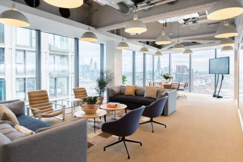 Zona de trabajo en equipo de WeWork, en Londres.