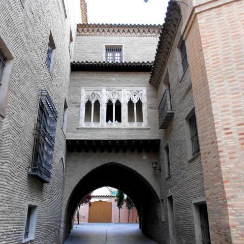 Arco del Deán, Zaragoza.