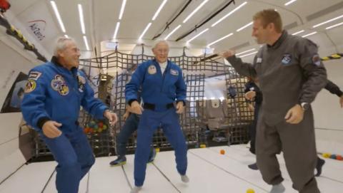 Astronautas apolo 11 en el Airbus Air Zero-G.