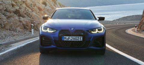 El BMW i4 M50 cuenta con una potencia de 400 kW/544 CV