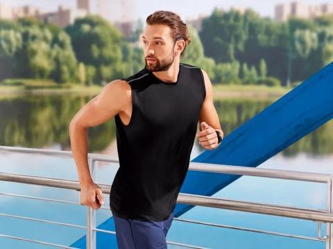 Camiseta deportiva técnica de tirantes para hombre.
