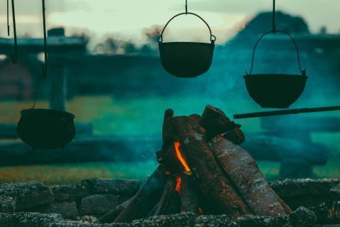 Camping fuego fogata