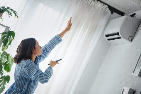 Cuál es la temperatura ideal del aire acondicionado en casa en verano