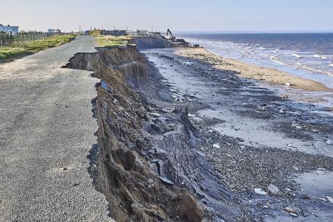 Erosión costera en Skipsea, en la costa este de Yorkshire, por el cambio climático.