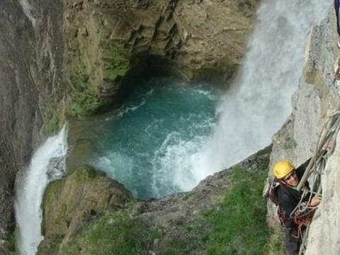vía Ferrata de Cascada de Sorrosal, Huesca.