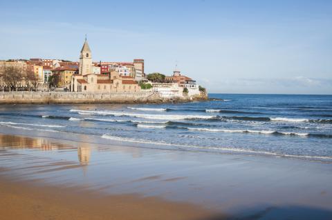 Playa de San Lorenzo, Gijón.