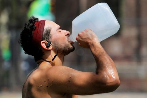 Qué es la hiperhidratación y cómo afecta a tu cuerpo según la ciencia.