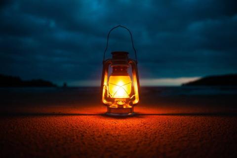 Linterna oscuridad camping