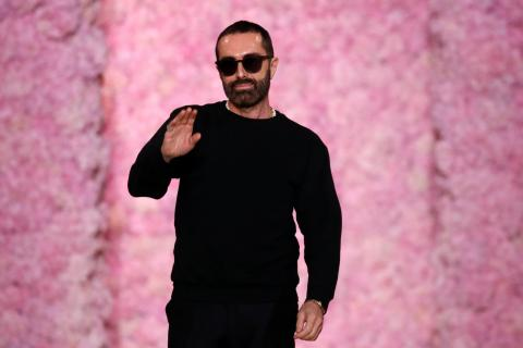 El diseñador Giambattista Valli en la Paris Fashion Week 2020.