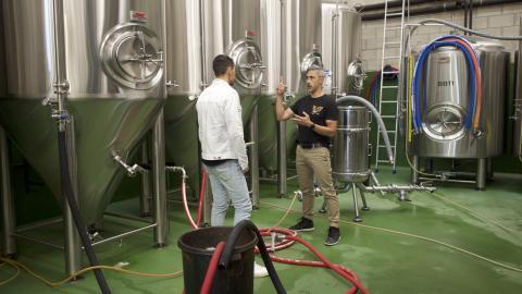 Kevin Patricio explica Business Insider el proceso de elaboración de su cerveza