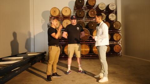 Kevin Patricio y Benjamin Rozzi, fundadores de Basqueland, explican a 'Business Insider España' el proceso de elaboración de su cerveza.