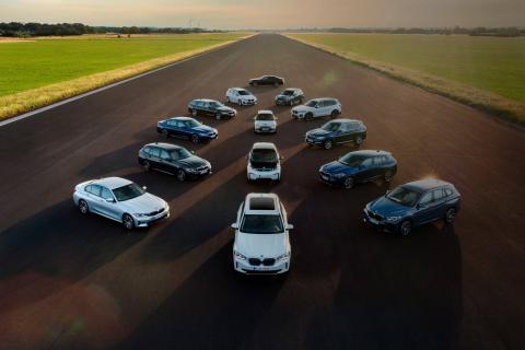 El objetivo de BMW es contar con 7 millones de BMW y MINI electrificados cirulando por las carreteras en 2030.
