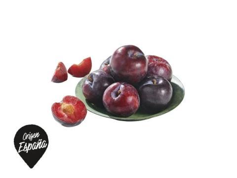 Ciruela roja, una fruta de temporada con múltiples beneficios.